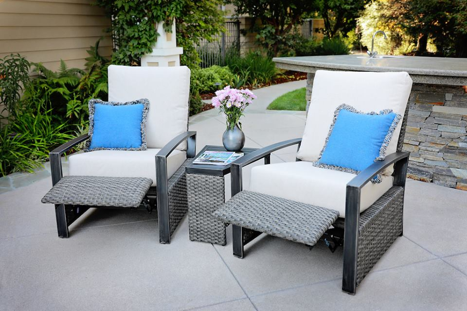 motion upholstery resource barcalounger has signed a licensing agreement with outdoor furniture specialist pacific casual and will launch the barcalounger - Furniture Specialist