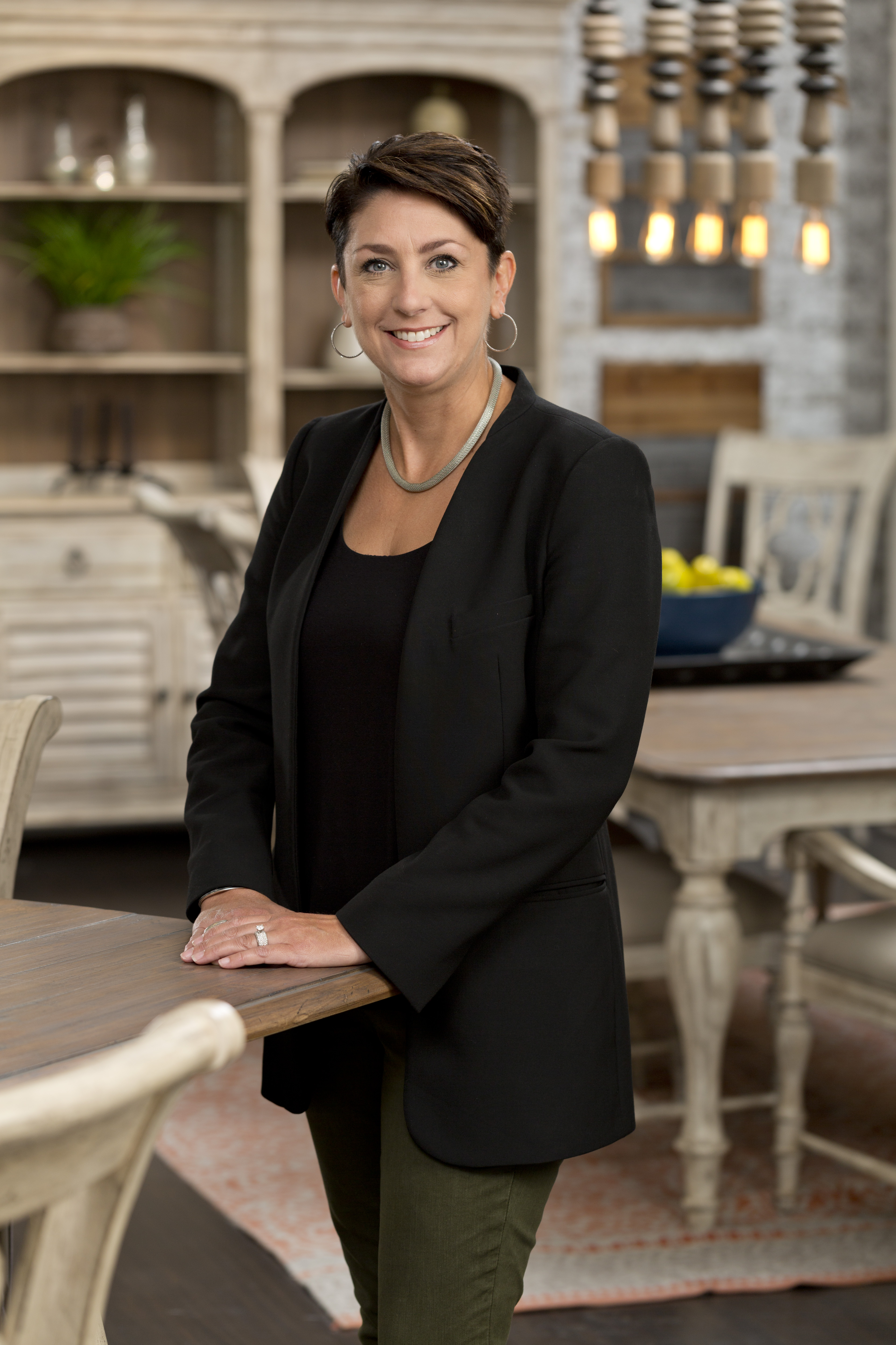 Star Furniture A Berkshire Hathaway Division Retailer Based In Houston Has Named Alicia Macha To The Position Of Er Occasional